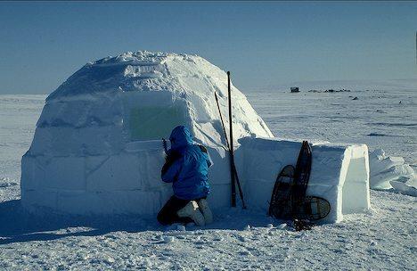 Uniknya Konstruksi Rumah Es-Iglo Orang Eskimo